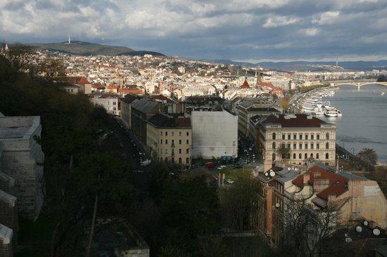 Colina y Estatua Gellért: View of the city