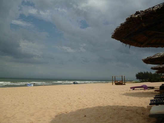 Anantara Mui Ne Resort: beach endless
