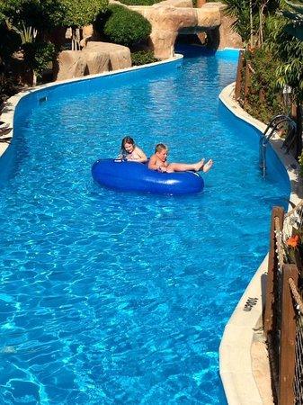Coral Sea Aqua Club Resort: The lazy (cold) river