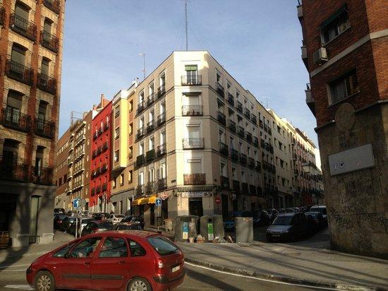 Villamadrid Hotel: улица