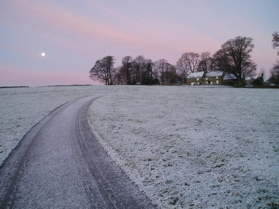 Bolehill Farm Cottages: Frosty morning