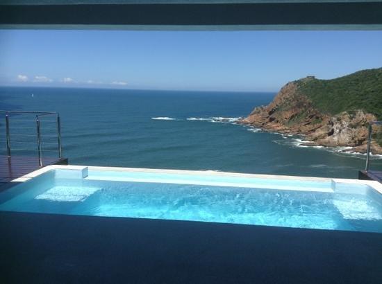 Head Over Hills: pool