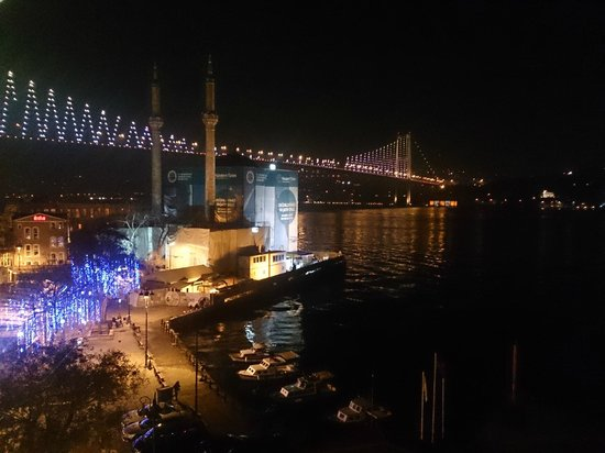 The House Hotel Bosphorus: Night view