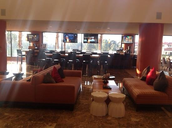 Manhattan Beach Marriott: Lounge bar area