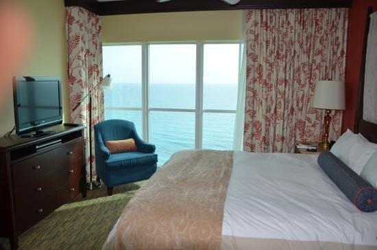 Marriott's Oceana Palms: Master bedroom, corner suite - 18th floor.