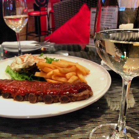 Tenderloins Bar and Grill: yummy