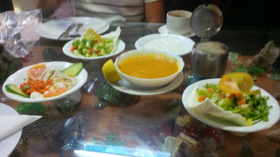 Syrian Palace Restaurant: Starters at the Syrian Palace Resto