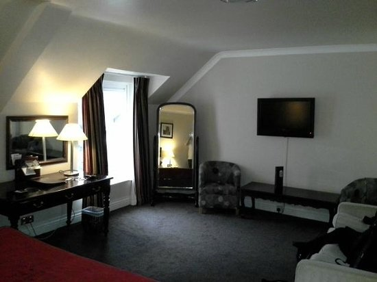 Riverside Hotel Killarney: Large Room