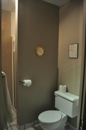 أوبيرج ميسون روي: Salle de bains