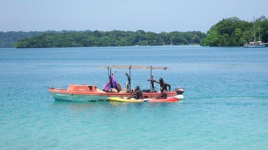 Oyster Island Resort: Passing Fishing Boat