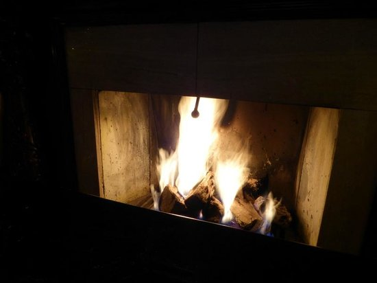 Van der Valk Hotel Emmeloord: Cosy fireplace