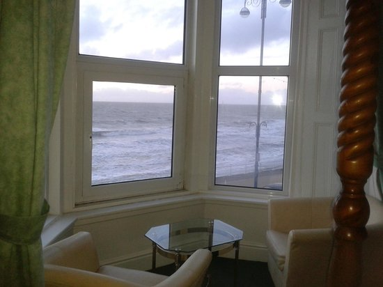 Queensbridge Hotel: Lovely bay window in room