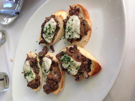 Ca' Del Sole: Mushroom bruschetta