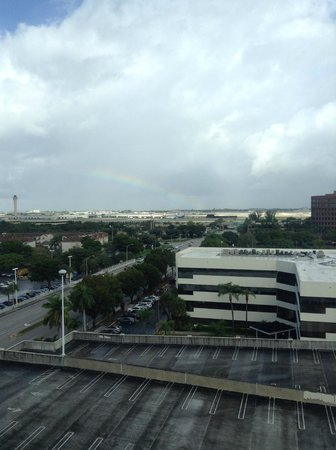 Hampton Inn & Suites by Hilton - Miami Airport / Blue Lagoon: View from our room