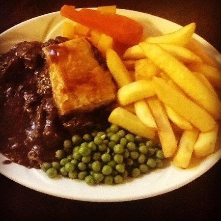 Our homemade steak pie - Picture of The Hollybank ...