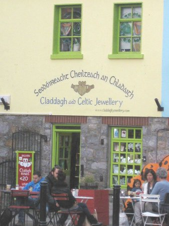 Eyre Square: Claddagh & Celtic Jewellery Shop