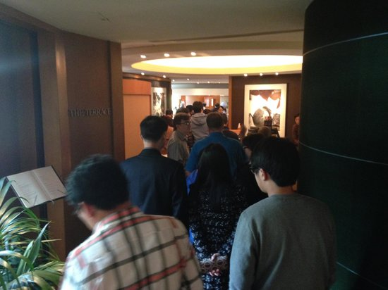 Grand Hyatt Seoul: Part of the line waiting to be seated for breakfast