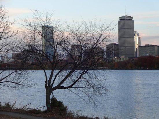 Charles River: Visual ao cair da tarde