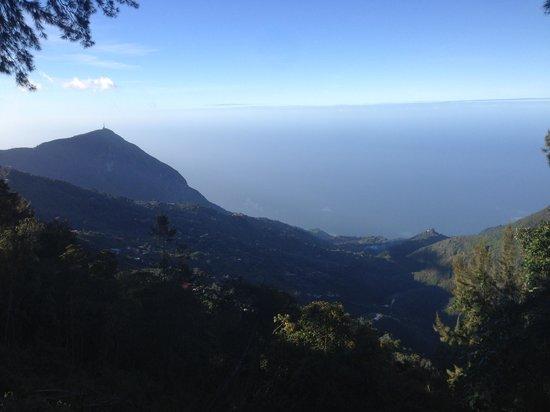 Teleferico: Hermosa vista del Mar Caribe desde el Avila...