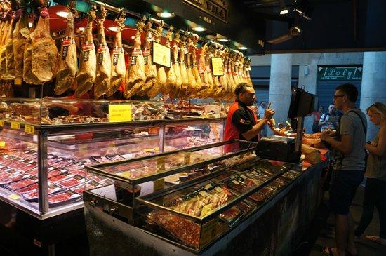 Citadines Ramblas Barcelona : На рынке Бокерия
