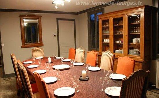 Domaine de la Ferme de Fourges: La longère - Salle à manger