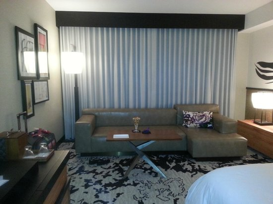 Nobu Hotel at Caesars Palace: Sitting Area