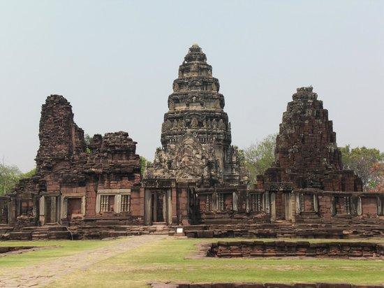Khmer Ruins: Global view
