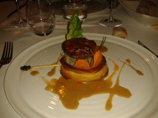 JMF Restaurant: feuilleté Homard, légumes croquants et caviar