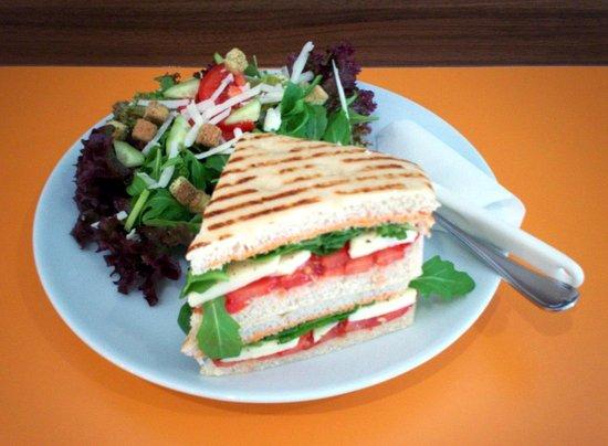 Die Kostbar: Focaccia mit Salat