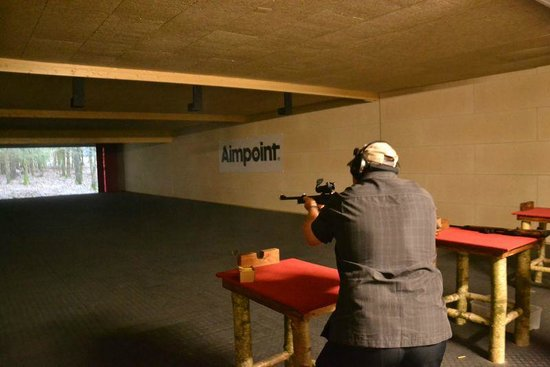 Sportsman Shooting Center: Live fire cinema range
