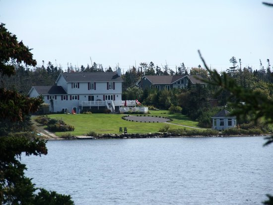 Coastal Waters Accommodations B&B: Costal Waters at Porters Lake