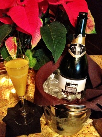 The National Hotel: Champagne Sunday Brunch, with local sparkling!