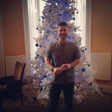 Mercure Gloucester, Bowden Hall Hotel: Danny the champ enjoying the Christmas tree