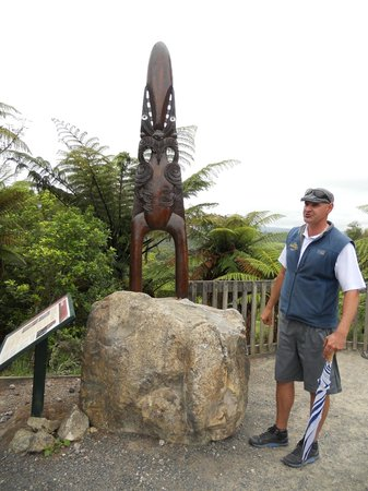 Elite Adventures Rotorua Tours: Our great guide Trent