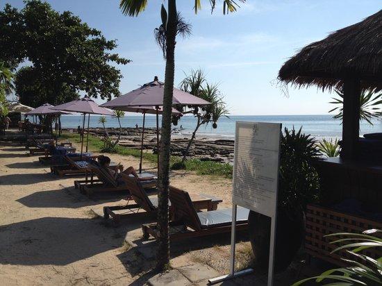 Nakamanda Resort & Spa: Pool and beach