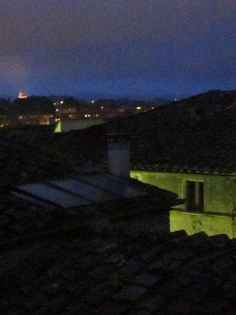 Hotel Antica Torre: Vista de Siena à noite, a partir de quarto do Antica Torre
