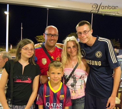 Restaurante Yantar: Algunos de nuestro clientes y amigos del verano