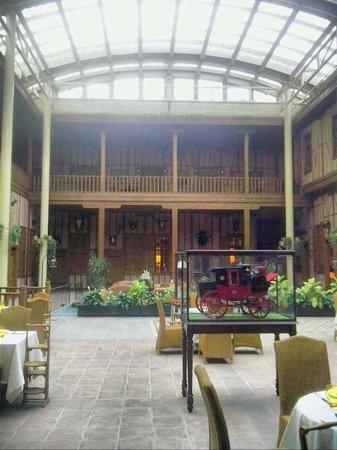 Divan Cukurhan: hotel interior