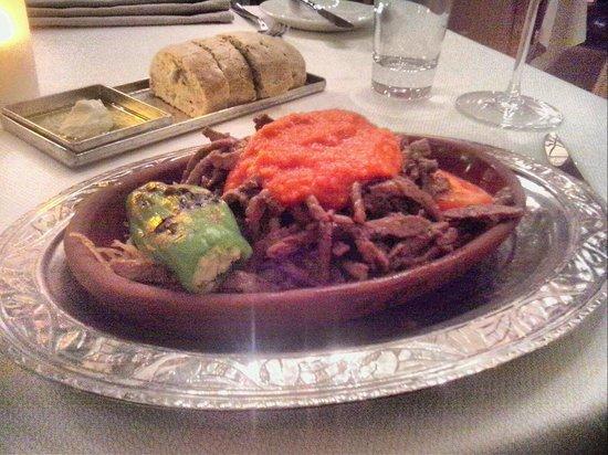 Divan Cukurhan: restaurant
