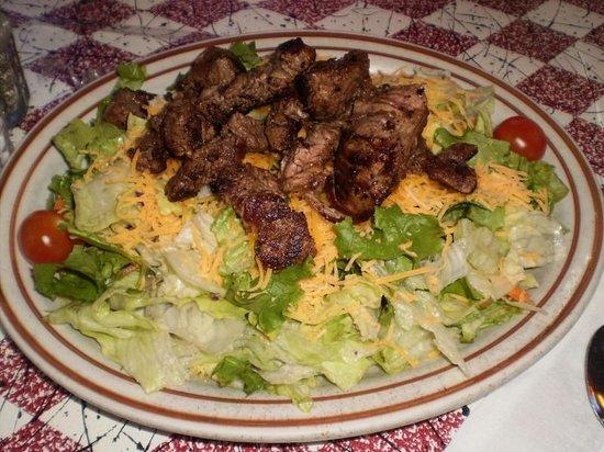 Star Cafe: Steak salad