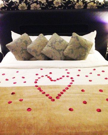 The Twelve Hotel: Romantic!