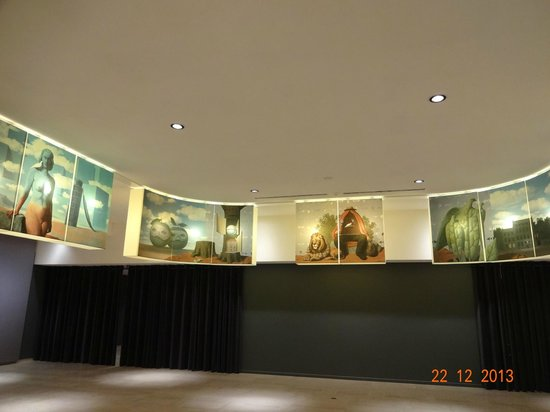 Musee Magritte Museum - Royal Museums of Fine Arts of Belgium: Entrance to Magritte Museum