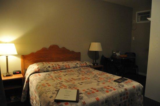 Hôtel Motel Le Châteauguay : Chambre