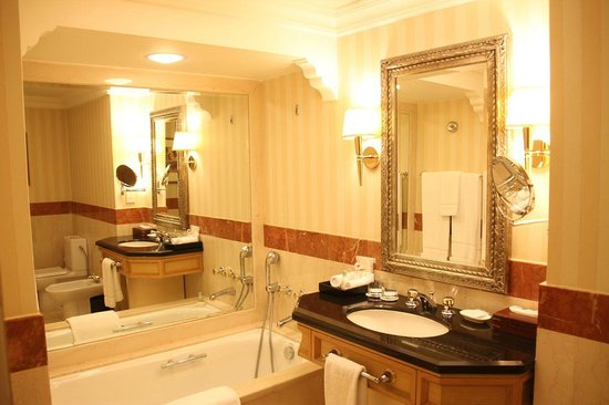 Grand Hyatt Muscat: Bathroom