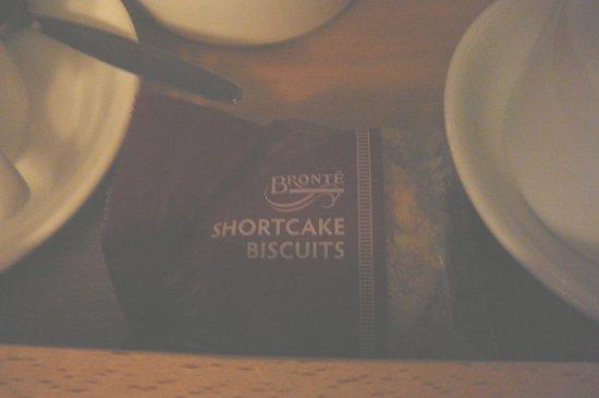 City Hotel : Cookies on Coffee/Tea set-up