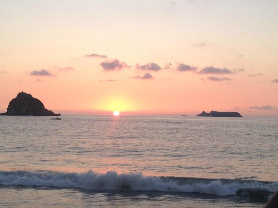Barcelo Ixtapa: sunset  from the beach