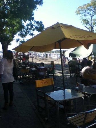 Cafe del Muelle Viejo: Que lindo tomar algo aca!
