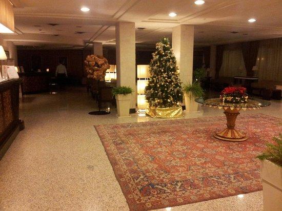 Perugia Plaza Hotel: Hall natalizia