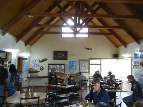 Paringa Salmon Farm Cafe: Restaurant area