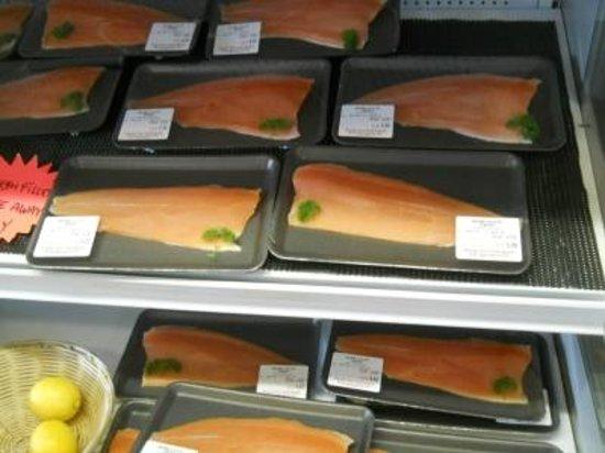 Paringa Salmon Farm Cafe: Fish for food